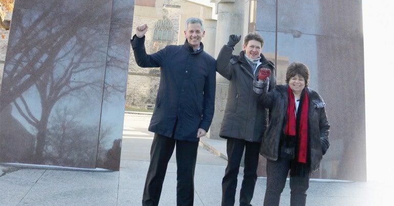 De gauche à droite : Peter Engelmann, Margaret Evans et Nancy Rosenberg